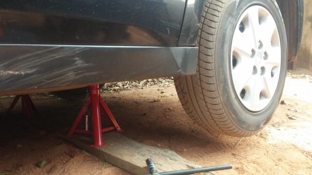 Changing brake discs