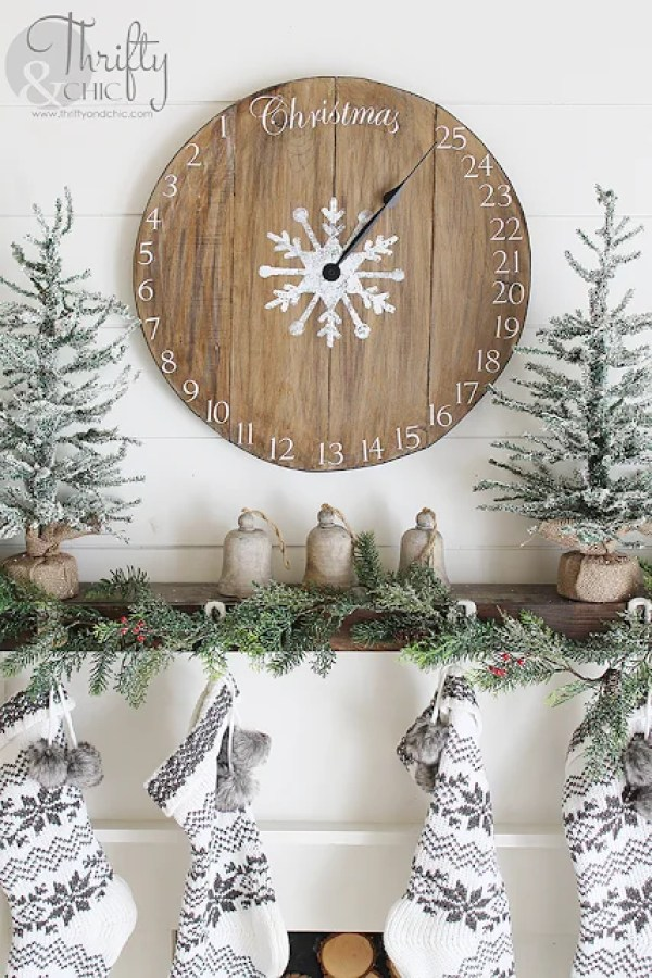 These 17 DIY Christmas Advent Calendars Are The CUTEST! I love how creative and simple these can be to make!