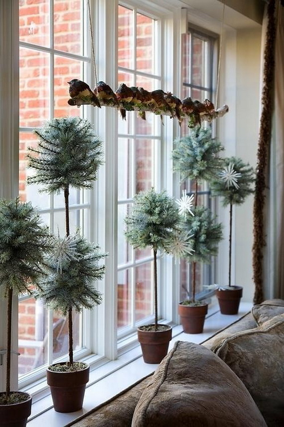 12 elegant christmas window decor ideas diy christmas christmas widow decoration idea baubles solutioingenieria Gallery