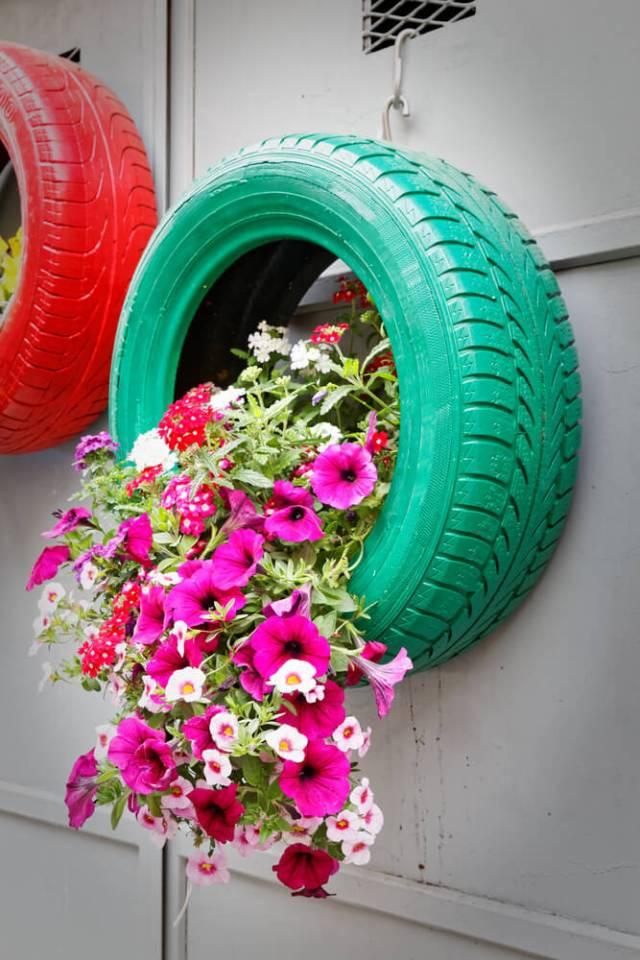amazing haning tire planter DIY