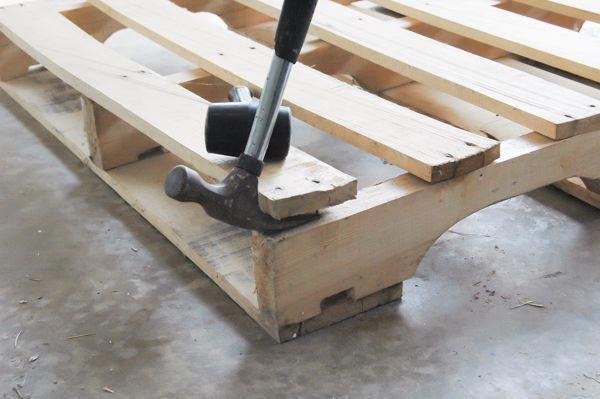 Dismantle Pallets