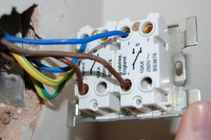 help required  fitting a 2 gang dimmer | DIYnot Forums