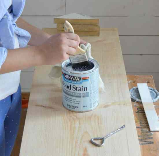 DIY Scrap Wood Sign Pickling Stain