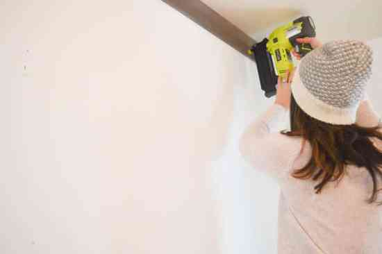 How to plank a wall with barn board