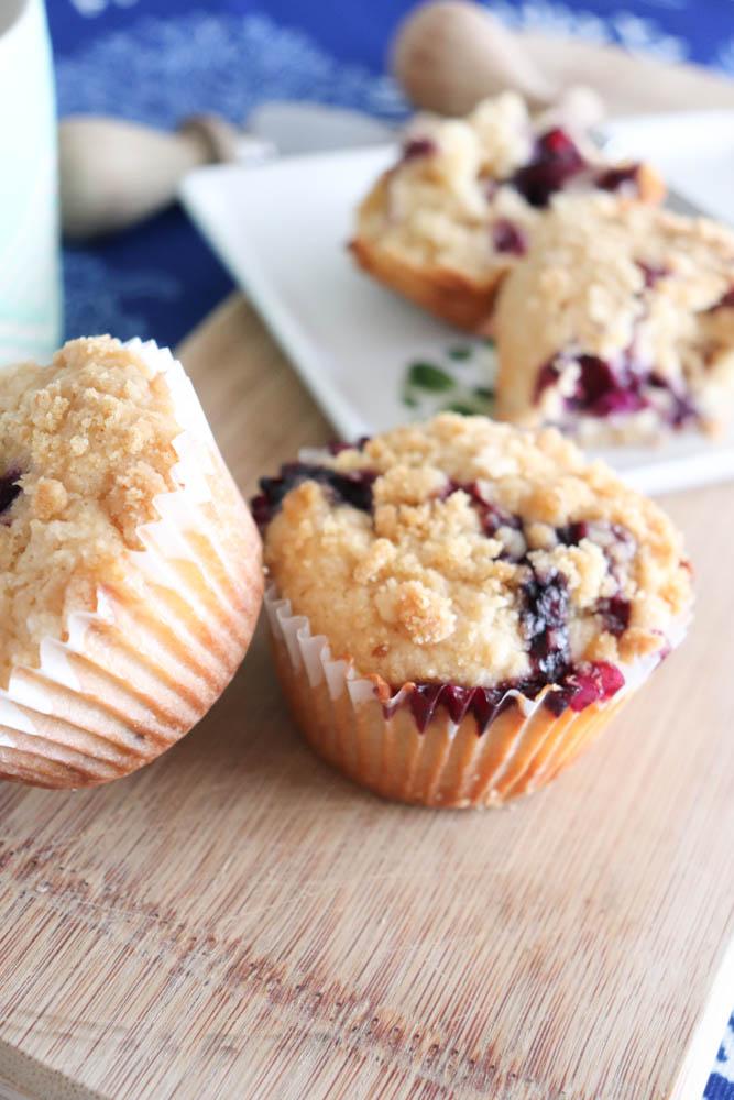 Easy Homemade Blueberry Streusel Muffins