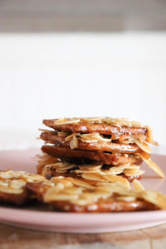 15-minute Butterscotch Toffee Graham Cracker Crack