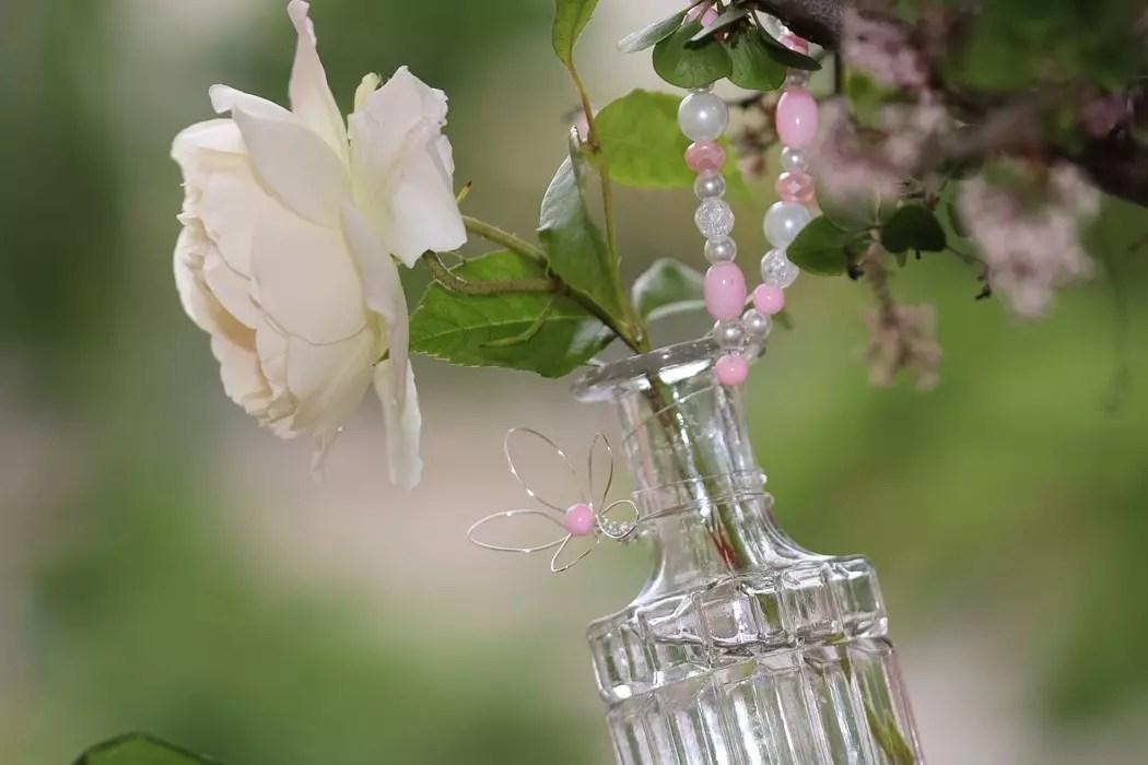 Vaser med pärlor