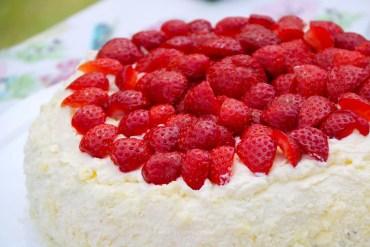 Supergod jordgubbstårta