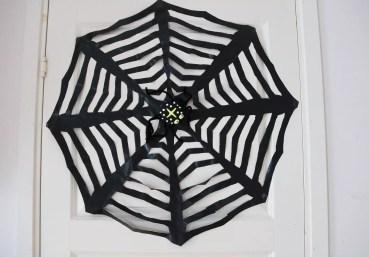 Spindelnät av en sopsäck
