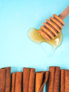Honey and cinnamon For Cheeks Small Pimples