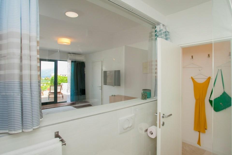 pogled iz kupaonice