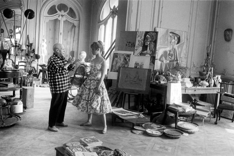 Pablo Picasso in his studio in Vallauris with actress Brigitte Bardot during the 1956 International Cannes Film Festival. (Photo by Jerome Brierre/RDA/Getty Images)