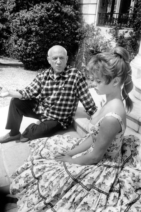 Spanish artist Pablo Picasso and French actress Brigitte Bardot at his studio in Vallauris, on the Cote d'Azur, during the Cannes Film Festival, April 1956 . (Photo by Jerome Brierre/RDA/Getty Images)