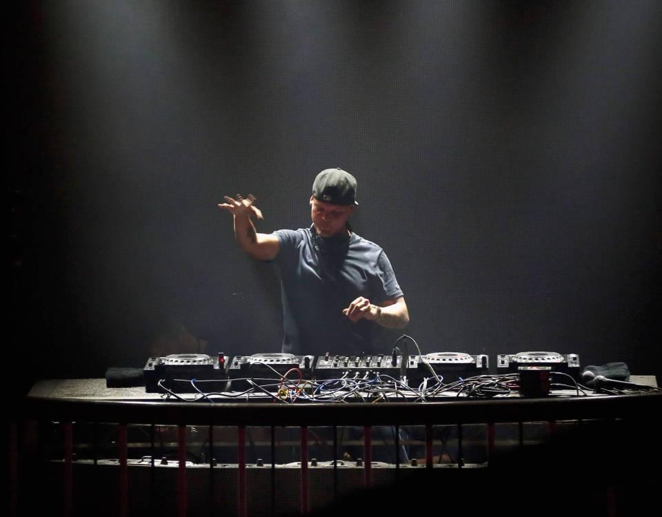 DJ NÃO TEM VIDA FÁCIL