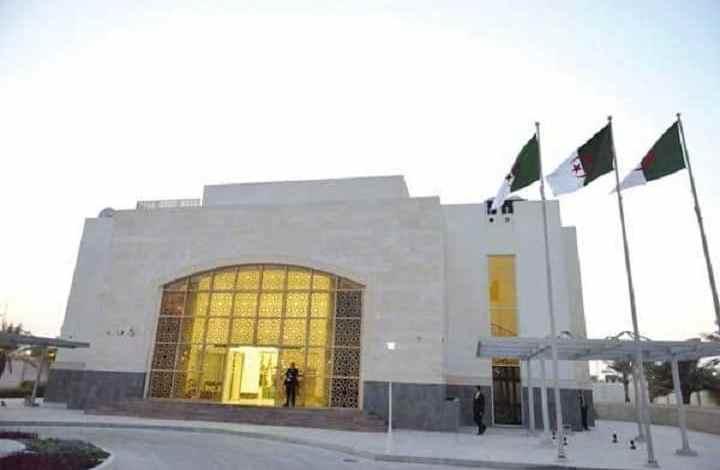 صورة سفارة الجزائر بقطر تعلن عن جاهزية عدد من جوازات سفر جاليتها