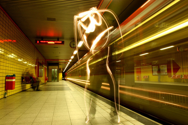 40+ Awesome Light Graffiti Pictures 15