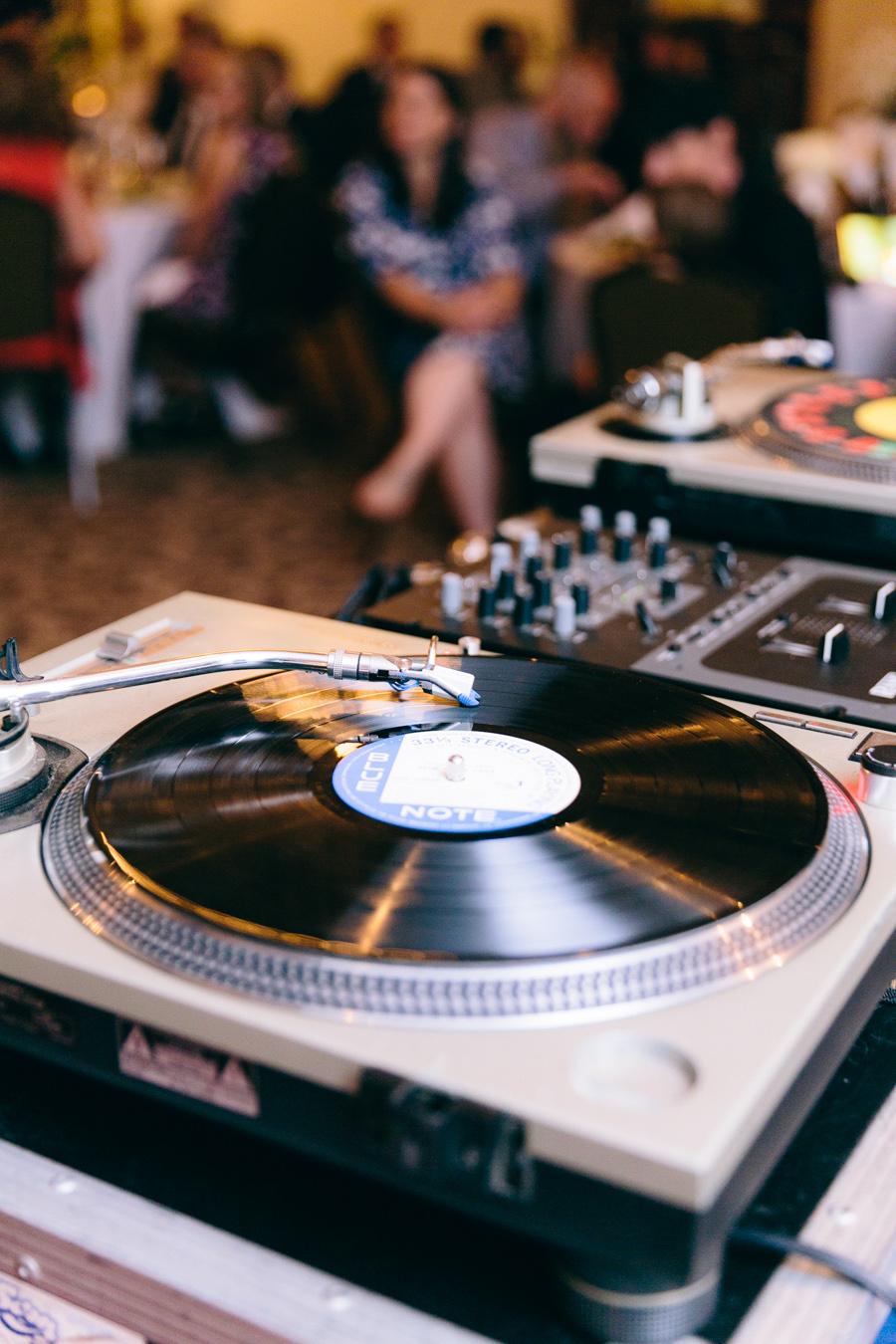 Rocking the classics at Renae & JC's Potomac Point Winery Wedding - Bonnie Sen Photography
