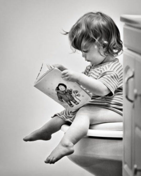 reading on toilet