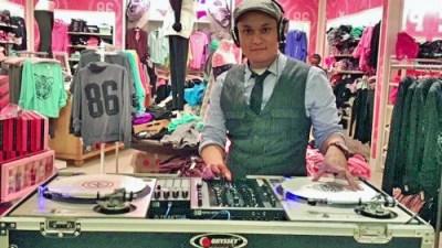 DJ Ollie Victoria Secret