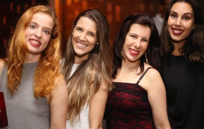 Anahê Gabriela, Vanessa Almeida e Clàudia Campà.