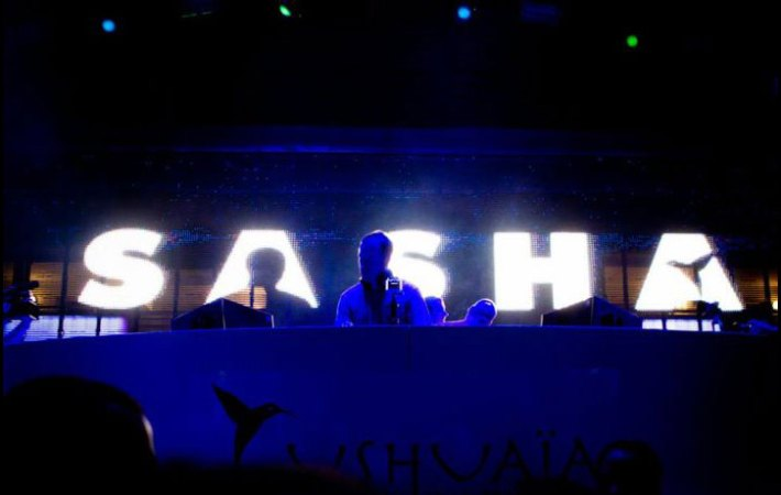 Sasha no Mixes no Ushuaia - em Ibiza - Espanha