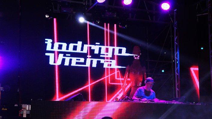 em dose dupla! MR DJ Rodrigo Vieira