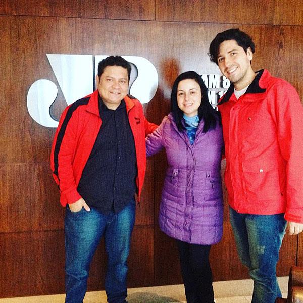 Leandro Rabellus com Julia Koch e Dimi na Jovem Pan Floripa - SC