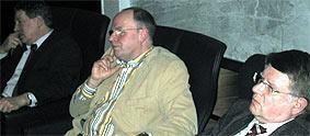 Die Experten waren (v.r.) Fritz Gisk, Geschäftsführer der Duisburger Arbeitsagentur, Sieghard Schilling, Geschäftsführer des Diakoniewerkes Duisburg sowie Thomas Keuer, Bezirkssekretär der Gewerkschaft verdi