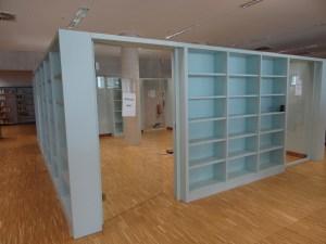 Abgetrennte Arbeitsräume innerhalb der Stadtbibliothek erleichtern das Arbeiten in Gruppen. Foto: Petra Grünendahl.