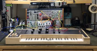 Therevox ET-5 Synthesizer (Sneak Preview)