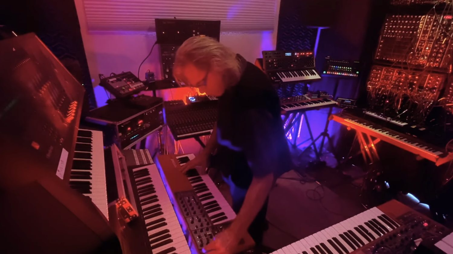 Phoenix Synthesizer Festival Features Hours Of Streaming Performances, Rig Tours & More