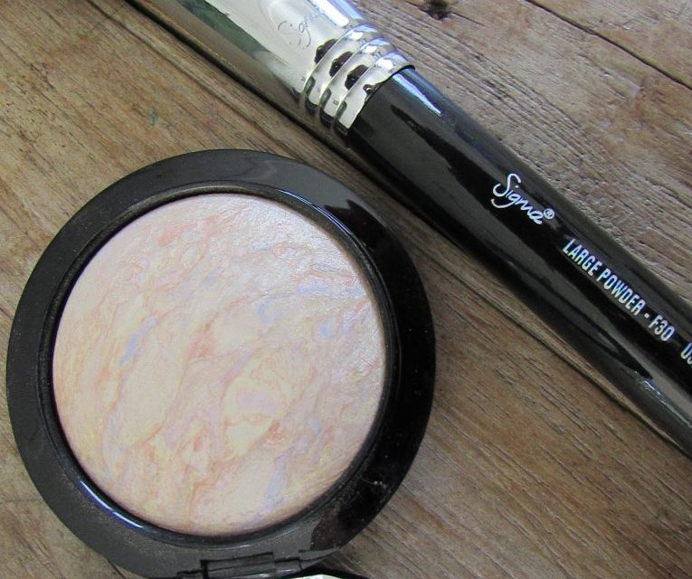 M.A.C Mineralize Skinfinish in Lightscapade {REVIEW}
