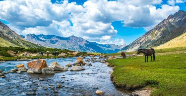 السياحة في قرغيزيا