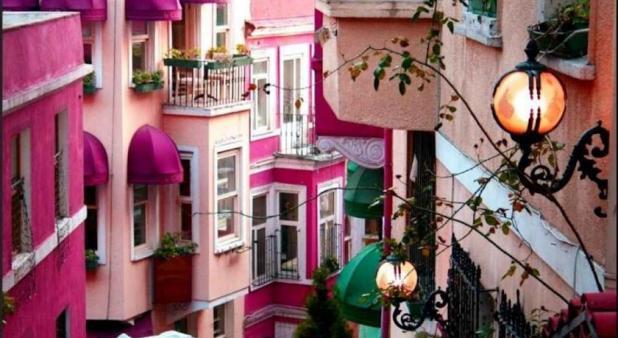 الشارع الفرنسى في اسطنبول