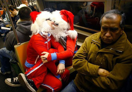 A Lil Subway Lovin, Ho Ho Ho Style (Thanks Dlisted)
