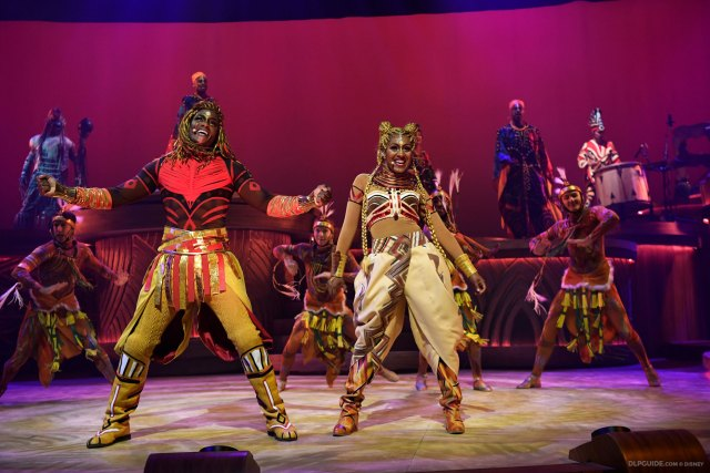 Simba and Nala in The Lion King: Rhythms of the Pride Lands musical stage show at Disneyland Paris