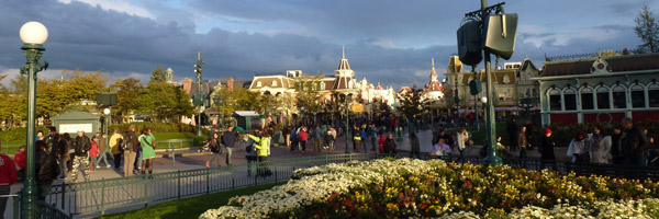 Extended Hours continue with first park opening times for September 2012