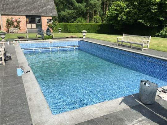 Renovatie dm zwembaden