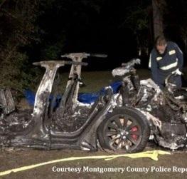 Tesla Crash Deaths Investigated