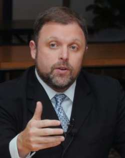 Tim Wise, anti-racist essayist, author and educator