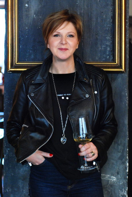 What drink to welcome 2021 - a conversation with Yana Petkova about wine, about what else