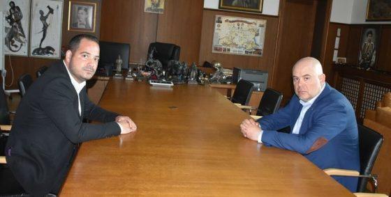 Главният прокурор покани и новоназначения директор на Главната дирекция за борба с организираната престъпност Калин Стоянов за работно интервю в кабинета му.