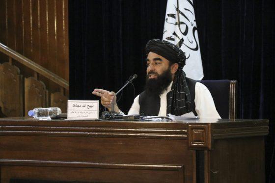 Говорителят на талибаните Забихула Муджахид, който трябваше да стане министър на културата.