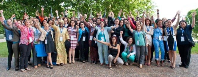 DNS-women-at-ICANN-48-e1443498424412-1024x401