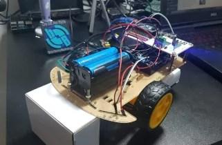Robô controlado por WiFi