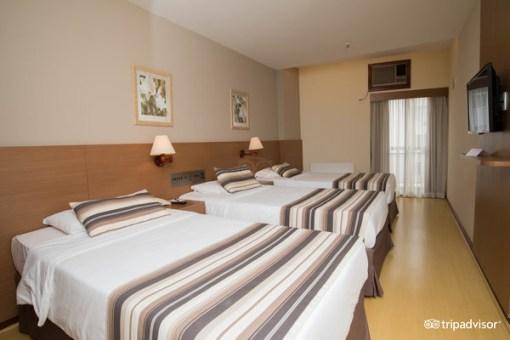 rio-carnival-package-augustos-hotel-triple-suite