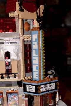 Lego Palace Cinema doppelt mit Doctor Strange Portalbestie 03
