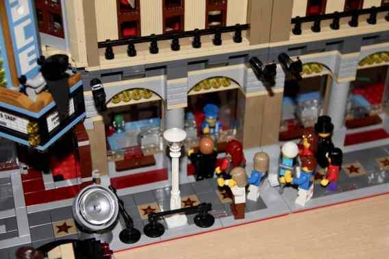 Lego Palace Cinema doppelt mit Doctor Strange Portalbestie 06
