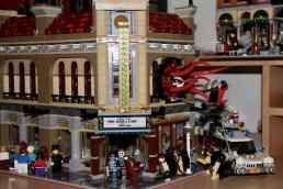 Lego Palace Cinema doppelt mit Doctor Strange Portalbestie 09