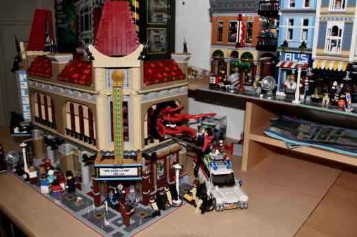 Lego Palace Cinema doppelt mit Doctor Strange Portalbestie 19